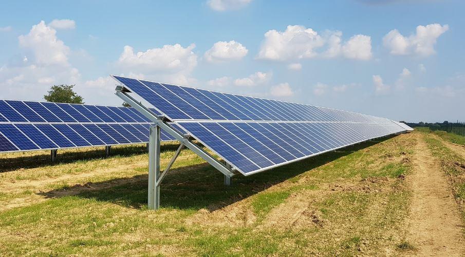 földre telepített napelem tartó szerkezet